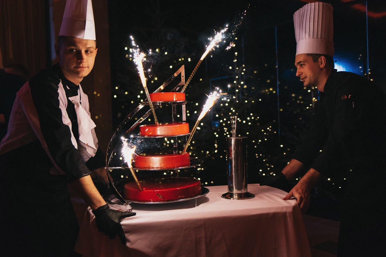 Najpiękniejsze torty urodzinowe z dostawą na terenie całej Warszawy tylko w DESEO. Wybierz rodzaj tortu, my zajmiemy się resztą