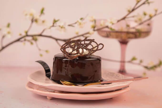 Od Morato do Morato 2.0 – nowe oblicze najbardziej czekoladowego ciastka w DESEO
