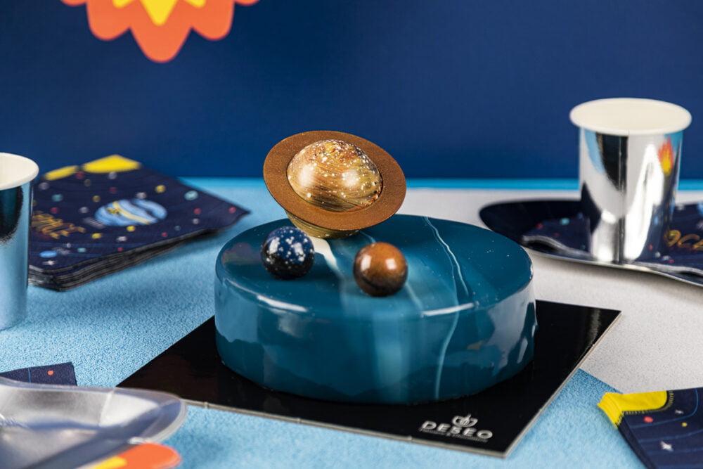 Tort urodzinowy Kosmos_1